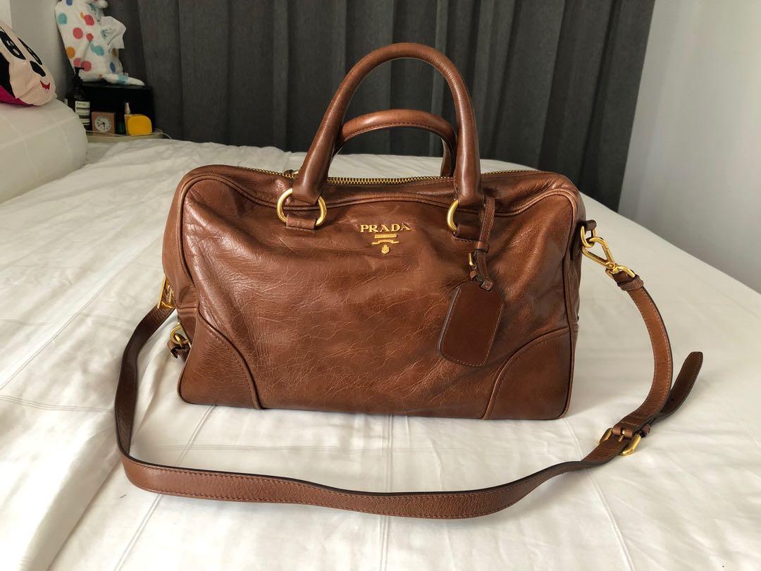 aaf98c40e974b5 Pre loved Prada Bag, Luxury, Bags & Wallets, Handbags on Carousell