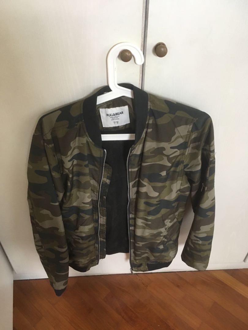 1131d96fb Pull & Bear camo bomber jacket
