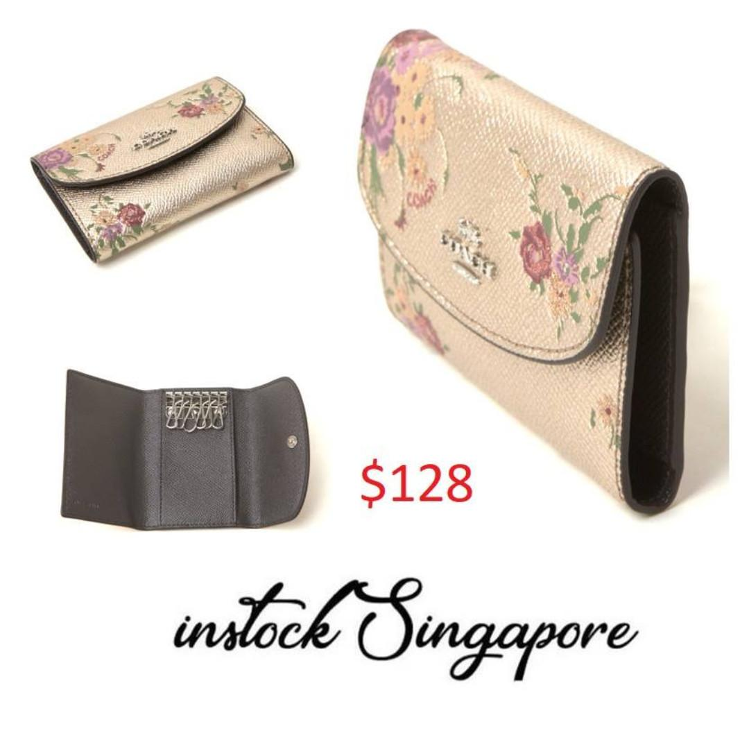 READY STOCK authentic new  COACH KEY CASE WITH FLORAL BUNDLE PRINT (COACH F39161) PLATINUM MULTI/SILVER