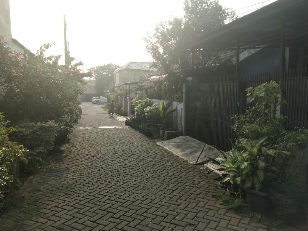 Rumah minimalis lokasi strategis. Komplek Taman Asri Ciledug