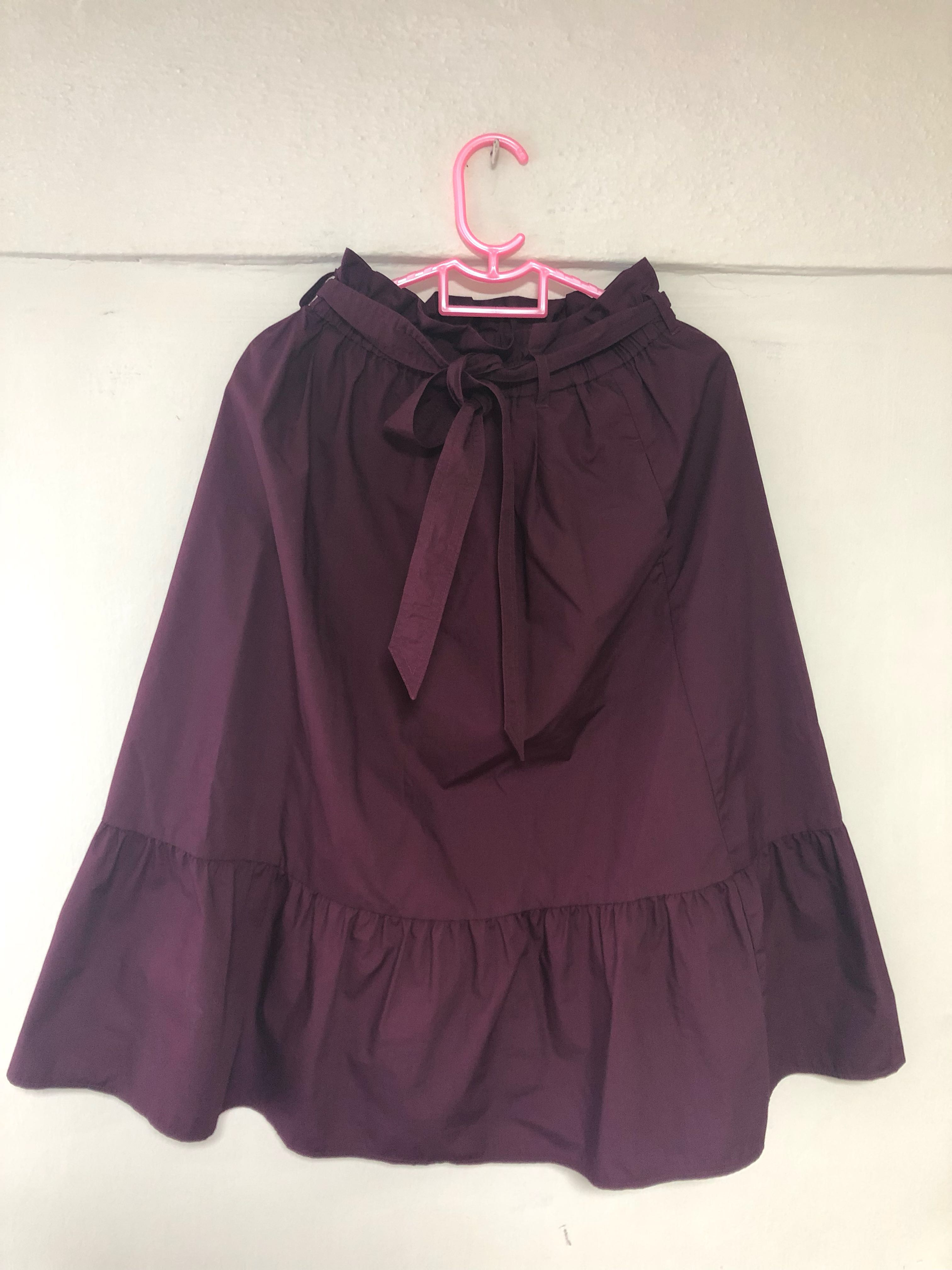 0dd528c49f UNIQLO MAROON PAPERBAG MIDI SKIRT, Women's Fashion, Clothes, Dresses &  Skirts on Carousell