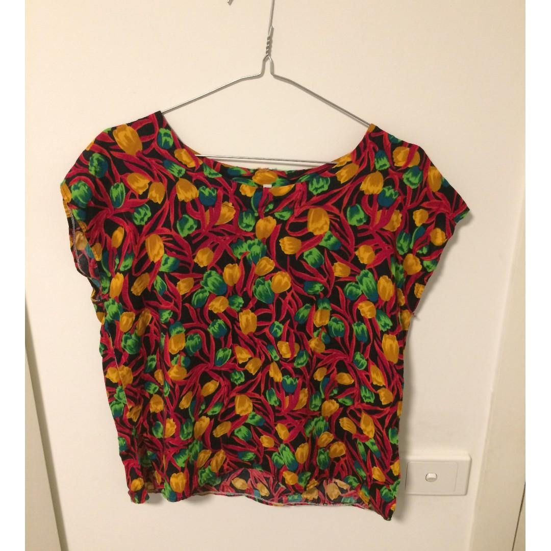 Vintage patterened top / t-shirt, bright colours, floral print, tulips