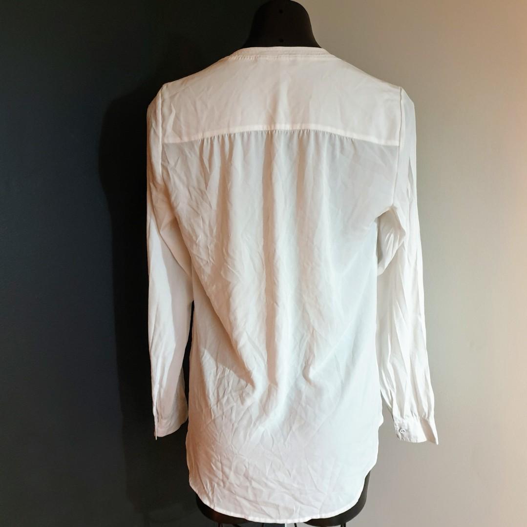 Women's size 10 'PORTMANS' Gorgeous white long sleeved shirt blouse -AS NEW
