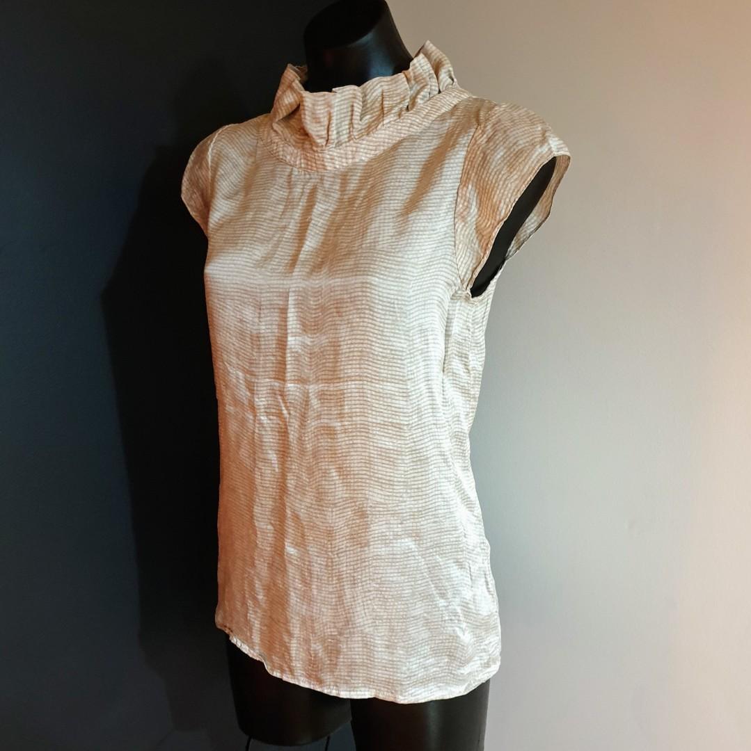 Women's size M Stunning beige high neck silk blouse - AS NEW