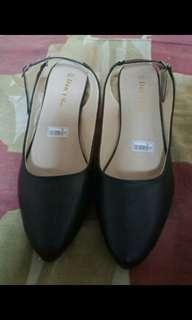 Flatshoes black