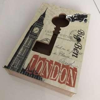 London key wooden box