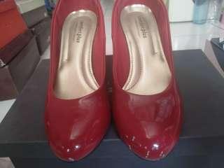 Sepatu pesta (Nego)