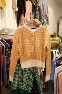 🚚 韓貨厚針織格紋外套-現貨橘