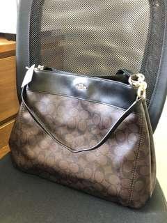 🚚 Lexy Bag