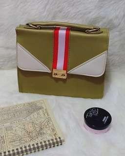 Sling bag import