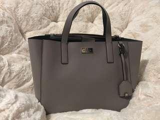 🚚 Nelle Bag