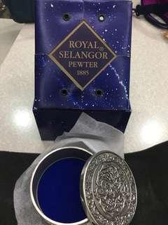 🚚 Selangor Pewter rose trinket box