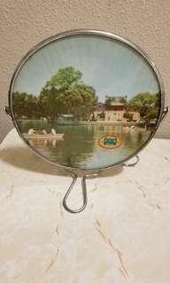 60-70年代珍珠牌濟南好風光照片鏡子 (中華人民件和國製造)Vintage mirror by PRC