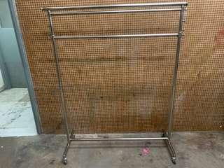 Stainless Steel adjustable triple rod garment rack 三層掛衣架