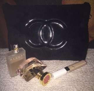 🚚 Chanel Precision Makeup Sling Pouch