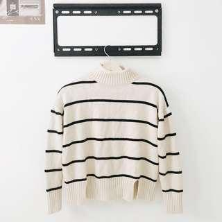 🚚 Turtle neck Knit sweater