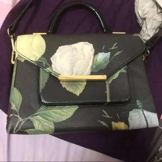 eafb253d9 AUTHENTIC Ted Baker sling bag