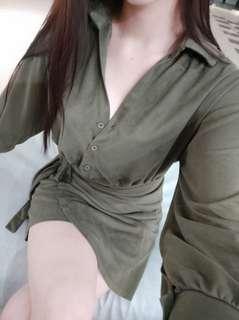麂皮綁帶軍綠洋裝