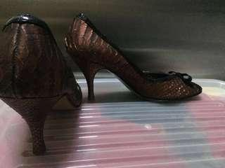 Authentic cyprus brand leather heels peep toe w ribbon snake leather design