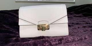 Michael Kors Kinsley Bag in White