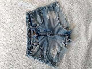 Billabong denim shorts size 24 (6)