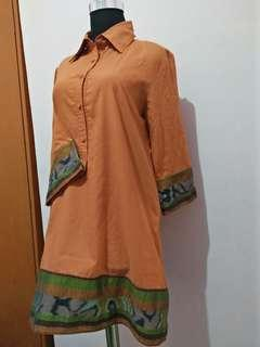 Mididress orange batik