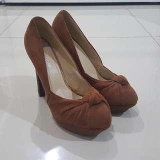 Brown Pump Heels