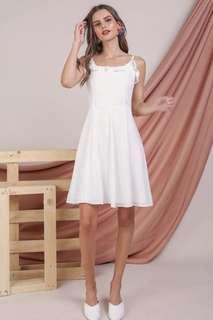 🚚 BNWT DIANE RUFFLES DRESS (WHITE)