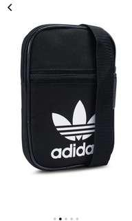 🚚 Adidas Sling Bag