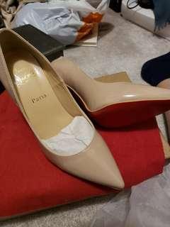 louboutins shoes size 7