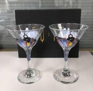 Cocktail or Wine Glasses 雞美酒或紅酒杯
