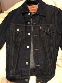Levi's Jean Jacket (Dark Wash)