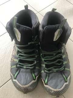 Columbia Waterproof hiking shoes