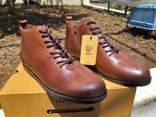 Brodo Signore EZ Vintage Brow - Size 44 - 28cm   100% Original Brodo  100% BARU.. BRANDNEW..  Size 44 (28 cm)