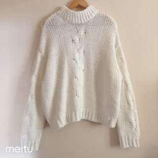 New white cableknit wool jumper