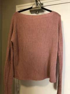 Oversize light pink sweater