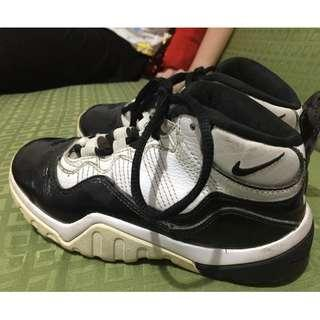 Authentic Nike for Kids (glossy black & white) 6-7 years old