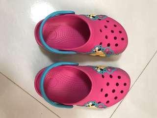 🚚 Crocs kids shoes