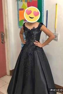 FOR RENT: BLACK BALL GOWN