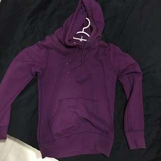 🚚 uniqlo dark purple plain hoodie