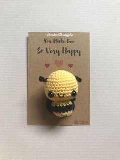 Lulu the Bee (amigurumi)