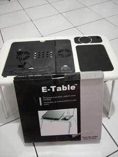 I table Laptop