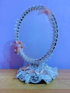🚚 蕾絲桌上立鏡