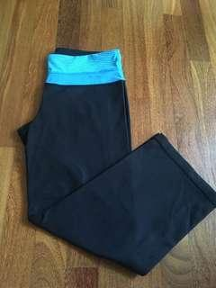 Size S yoga pants black
