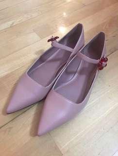 Charles & Keith 粉色花花鞋