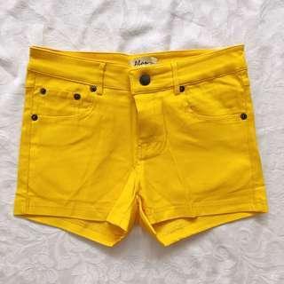 🚚 Sunny Yellow Shorts