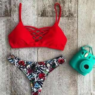 🚚 Po: red caged bikini set
