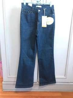 Levi's perfectly Slimming boot cut 512 jeans waist 28""