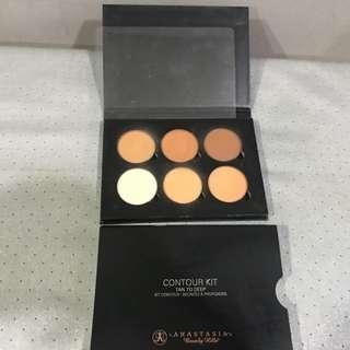 ANASTASIA BEVERLY HILLS CONTOUR KIT WITH BOX. COLOUR- TAN - DEEP