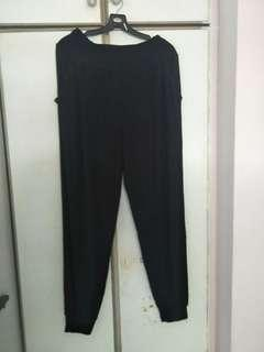 🚚 Black baggy pants
